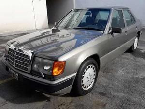 Mercedes Benz Clase E 300 Elegance Sedán